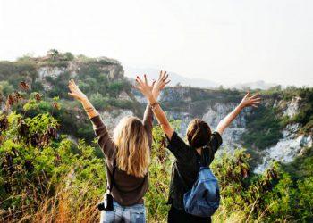 casual-cliffs-enjoyment-590510-1-570x400