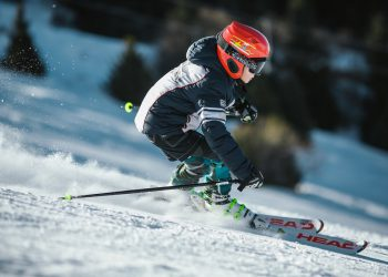 rsz_man-doing-ice-skiing-on-snow-field-in-shallow-focus-848618